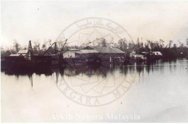 Larut River and Wharves, Port Weld. Source: Arkib Negara Malaysia