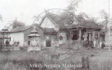 Chinese Temple at Kota, Taiping. Source: Arkib Negara Malaysia