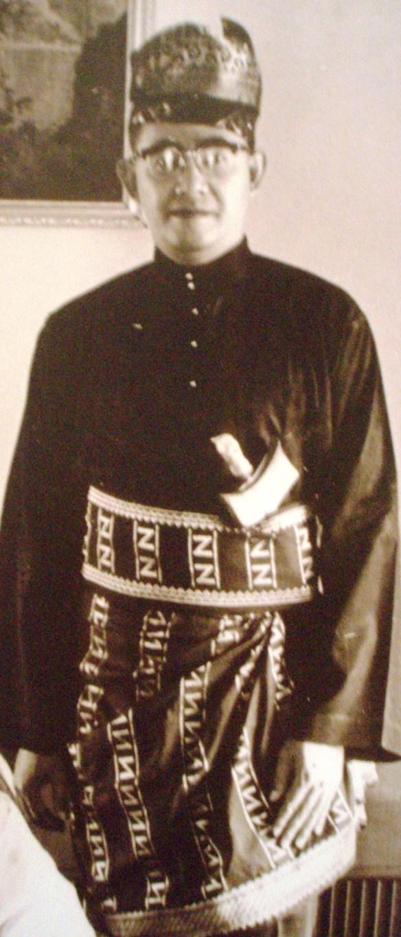 Raja Tun Mohar Badiozaman