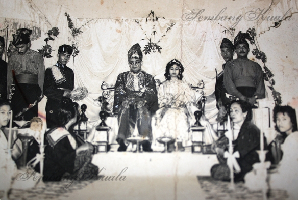 Raja DH Ekrams bersanding ceremony